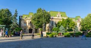 Rue et ville hôtel piétonnières chez Iasi Photo stock