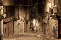 Rue foncée dans la nuit, Istanbul Images libres de droits