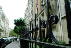 Rue française à Paris Photo libre de droits