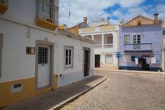 Rue historique typique avec les éléments mauresques Photographie stock libre de droits