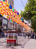 Rue Istiklal d'Istanbul en été La Turquie photos stock