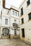 Rue médiévale dans la vieille ville de Sitges, Espagne Photographie stock