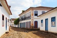 Rue, maisons coloniales dans Paraty, Brésil Photo stock