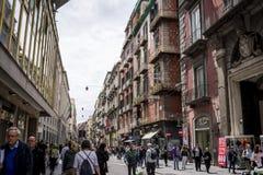 Rue occupée de Toledo, Naples, Italie photo libre de droits