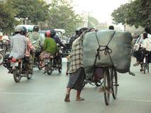 Rue passante à Mandalay Images libres de droits