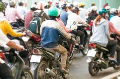 Rue passante en Ho Chi Minh City. Le Vietnam. images libres de droits