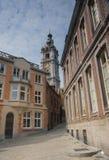 Rue pavée en cailloutis à Mons Photo stock