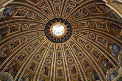 Rue Peterâs Cathedrale à Rome Images libres de droits
