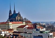 Rue Peter et église de Paul à Brno Photos libres de droits