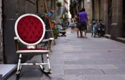 Rue piétonnière dans le secteur né, à Barcelone, l'Espagne Photo stock