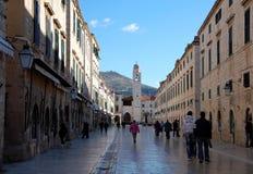 Rue principale Stradun dans la vieille ville de Dubrovnik, Croatie Photos libres de droits