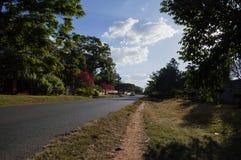 Rue résidentielle, Kabulonga, régions boisées, Lusaka, Zambie image stock