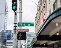 Rue Seattle de pin photographie stock libre de droits