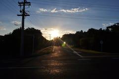 Rue sur le chemin à la baie d'acacia, Nouvelle-Zélande Photos libres de droits