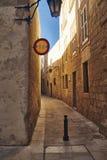 Rue ?troite dans la vieille ville photos libres de droits
