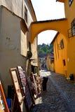 Rue typique dans la ville médiévale Sighisoara Image stock
