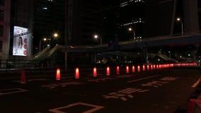 Rue urbaine de faute de nuit ? la ville d'affaires dans la rue urbaine de laps de temps de TokyoNight ? la ville d'affaires ? Tok banque de vidéos