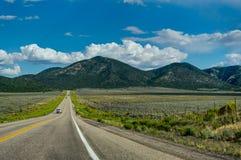 Rue vide vers Bryce Canyon en Utah Etats-Unis d'Ameri Images libres de droits
