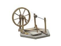 Rueca de madera manual vieja de la rueda de hilado aislada en blanco Imágenes de archivo libres de regalías