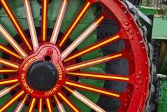 Rueda adornada del motor de vapor restablecido imagen de archivo libre de regalías