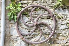 Rueda antigua del hierro Fotografía de archivo