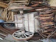 Rueda de carro vieja Fotos de archivo libres de regalías
