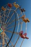 Rueda de Ferris en el parque del parkt de la diversión Foto de archivo libre de regalías