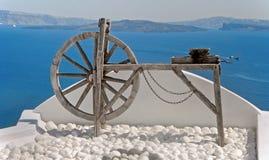 Rueda de hilado en Oia, Santorini, Grecia Foto de archivo libre de regalías