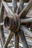 Rueda de madera antigua Foto de archivo libre de regalías