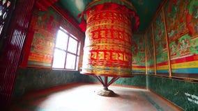 Rueda de rezo en Boudhanath, Katmandu, Nepal almacen de video