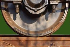 Rueda del tren en ferrocarril imagenes de archivo