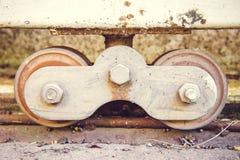Rueda el acero de la puerta, ruedas del acero Imagen de archivo
