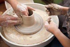 Rueda que lanza de la cerámica Imágenes de archivo libres de regalías