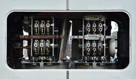 Rueda vieja de la tasación de la bomba de gas Foto de archivo libre de regalías