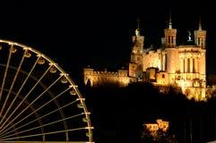Rueda y basílica de Ferris Foto de archivo libre de regalías