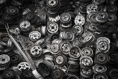 Ruedas de coche viejas imagen de archivo libre de regalías