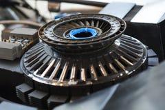 Ruedas de engranajes del motor, opinión del primer imagen de archivo