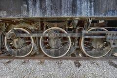 Ruedas locomotoras de acero del Grunge fotografía de archivo libre de regalías