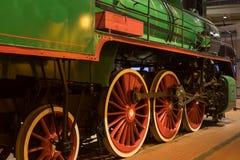 Ruedas rojas grandes del tren retro Fotografía de archivo