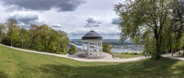 Ruedesheim with view to olsd panorama temple and river rhine valley Stock Photography