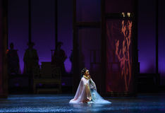Ruegue en nieve-en las emperatrices palacio-modernas del drama en el palacio Fotos de archivo