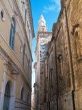 Ruelle caractéristique de Monopoli. Apulia. Image libre de droits