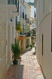 Ruelle ensoleillée à Marbella Photos libres de droits