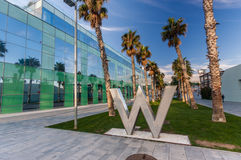 Ruelle piétonnière avec le logo d'hôtel de W Photo stock