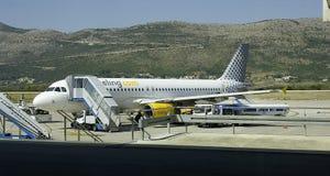 Ruelle sur la piste de l'aéroport de Dubrovnik Photos stock