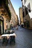 Rues étroites de Rome Photographie stock libre de droits