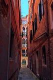 Rues étroites de Venise image libre de droits