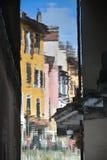 Rues, canal et rivière de Thiou à Annecy, France Image stock