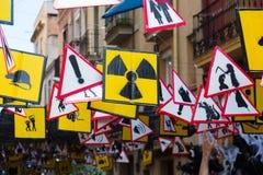 Rues décorées de secteur de Gracia Thème des signes et du symbole Image libre de droits