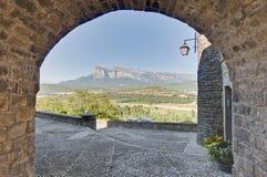Rues d'Ainsa chez Aragon, Espagne Photo stock